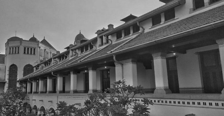Hitam Putih Lawang Sewu Semarang