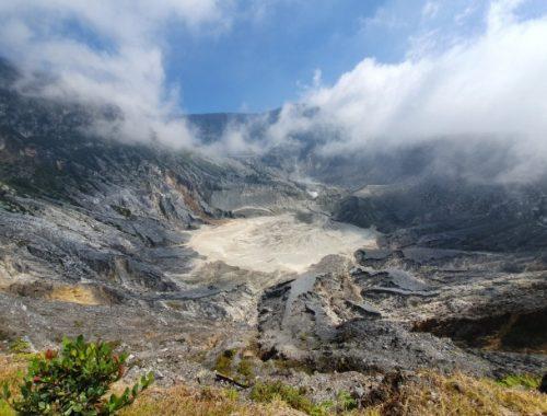 Kondisi Kawah Gunung Tangkuban Perahu Sebelum Meletus