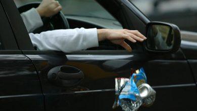Mobil bersih tetapi sampah dibuang sembangan