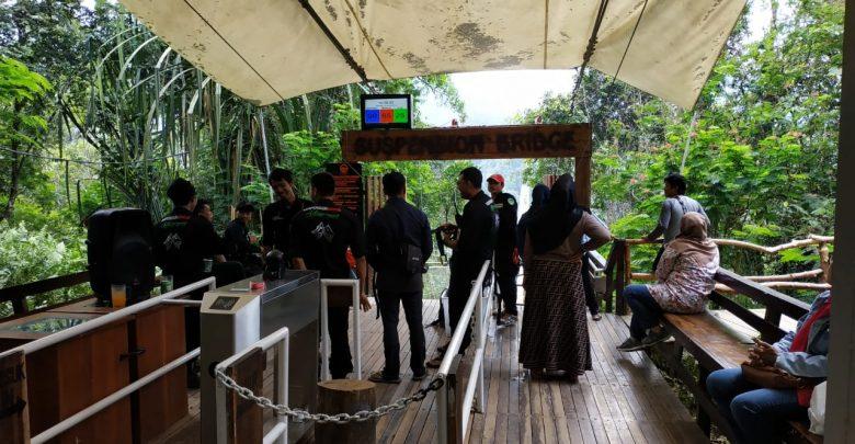 Pintu Masuk Ke Jembatan Gantung Situ Gunung Sukabumi