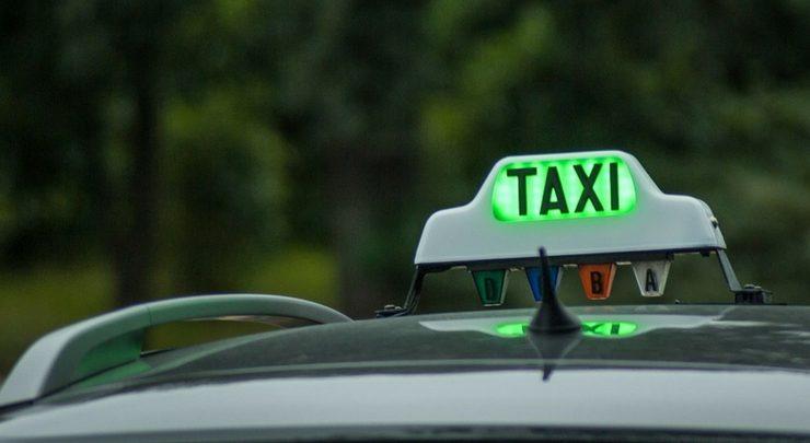 Driver taksi online (2)