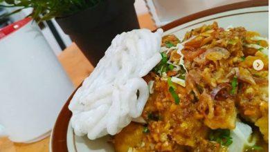 Membeli Kuliner Pinggir Jalan. tahu @novitaandriyani