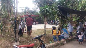 Masyarakat Menonton Acara Penutupan Agustusan Kampung Cijati Cicantayan sukabumi