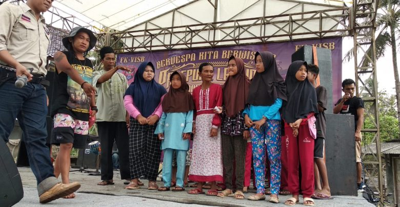 Event Touring Vespa Sukabumi Sambil Beramal