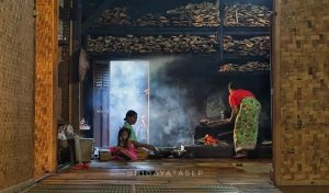 Perempuan Di Dapur di Kampung Sinar Resmi
