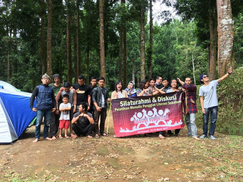 Pelatihan Menulis Relawan Literasi Sukabumi