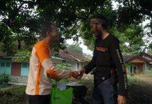 Kegiatan Menolong yang diupload di medsos, Guru Honorer Sukabumi Jawa Barat Tahun 2020