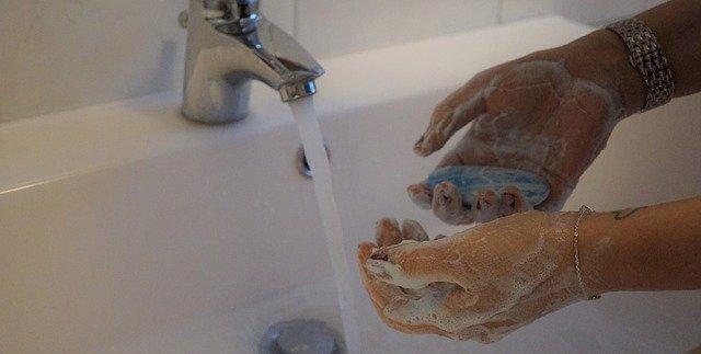 Mencuci Tangan Membunuh Virus Corona