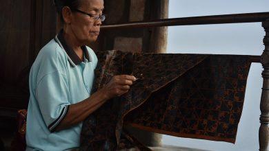 Baju batik indonesia