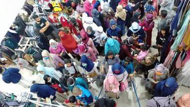 Pembeli ramai Belanja di Toko Baju Sukabumi