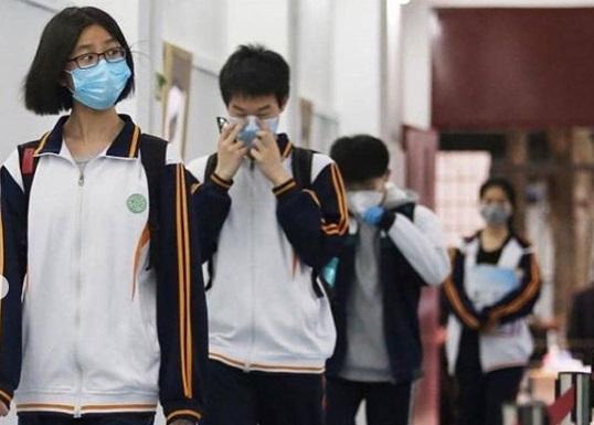 Setiap Siswa di Wuhan Harus memakai Masker ke sekolah