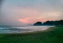 Pantai Karang Hawu Pelabuhan Ratu Dibalik Legenda Nyi Roro Kidul Sukabumi. Foto Hidayat Asep