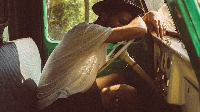 Cara Mengenali Tubuh Kamu Sedang Mengalami Kelelahan