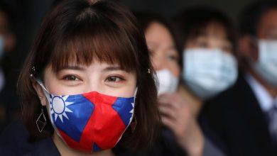 orang Jepang memakai Masker. Sumber: https://asia.nikkei.com/