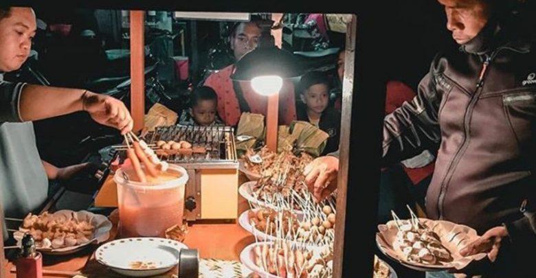 Wisata Kuliner Angkringan Jogja. Foto https://www.instagram.com/angkringan.lovers/