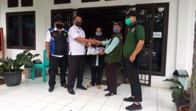 Pemberian Bantuan Pasien Covid-19 Di Tengah Penutupan Jalan Kota Sukabumi dan PPKM Darurat